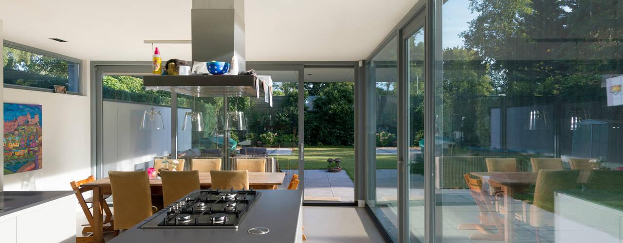 Woonhuis Rijnsweerd Moderne keukens van Architect2GO Modern