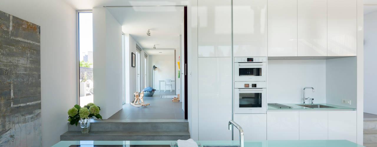Кухня в стиле минимализм от Architect2GO Минимализм