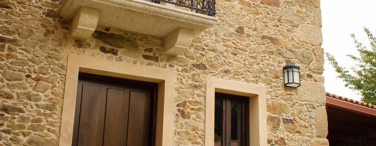 Intra Arquitectos: kırsal tarz tarz Evler