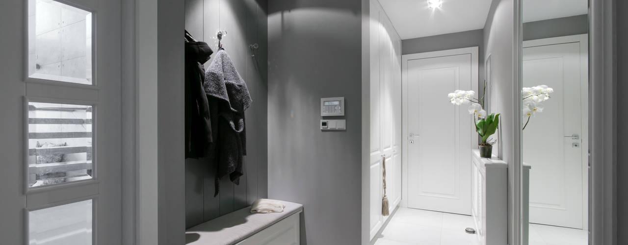 Corridor & hallway by 3deko, Modern