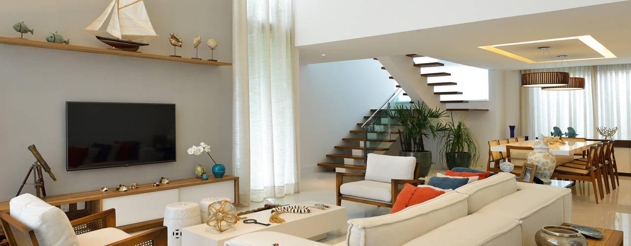 غرفة المعيشة تنفيذ Pinheiro Martinez Arquitetura