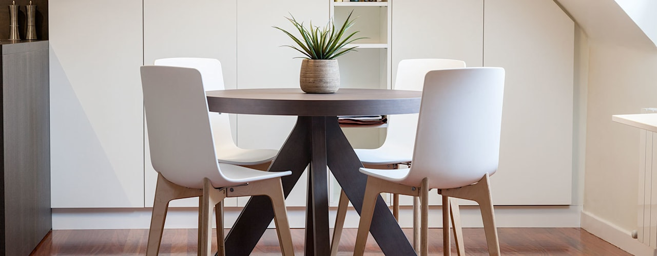 Modern dining room by Urbana Interiorismo Modern