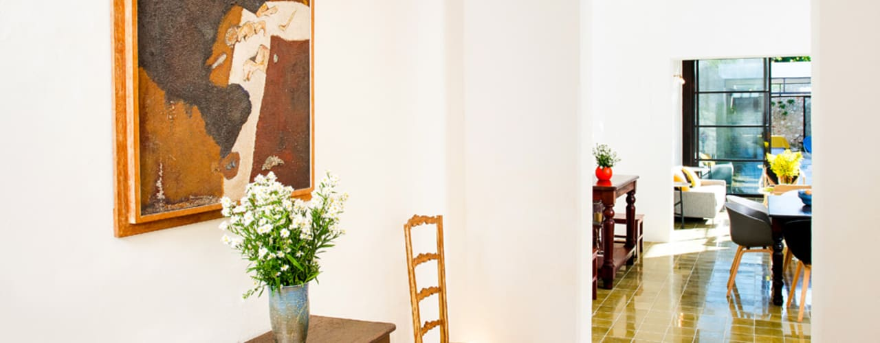 Moderne gangen, hallen & trappenhuizen van Taller Estilo Arquitectura Modern
