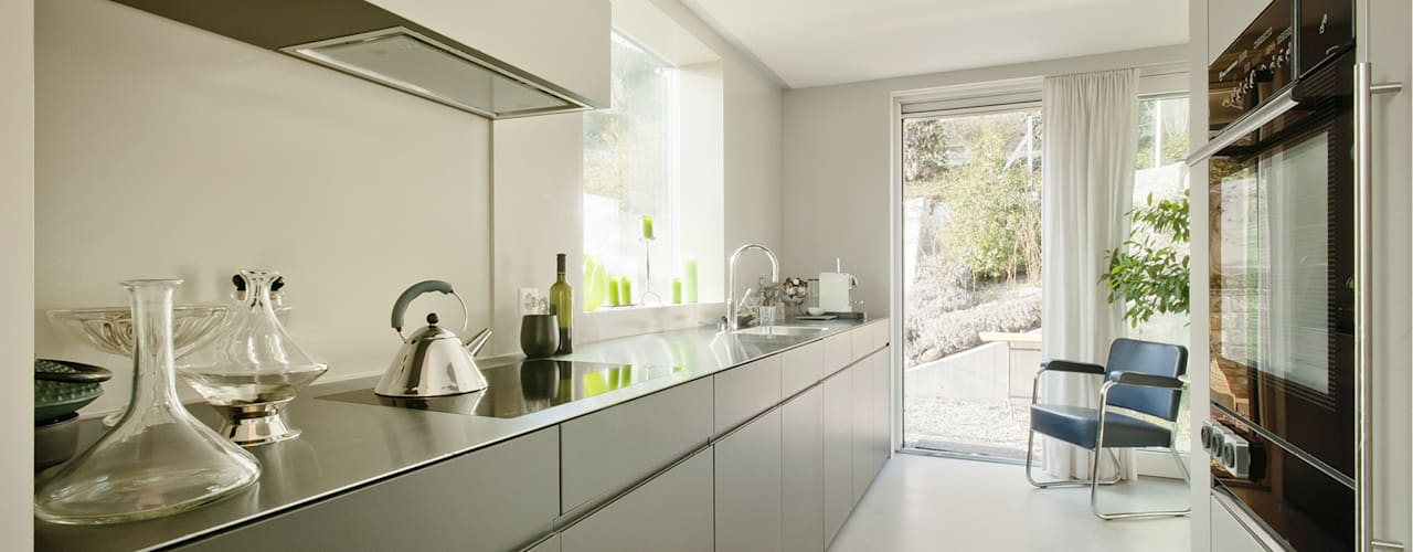 Kitchen by LENGACHER EMMENEGGER PARTNER AG, Modern