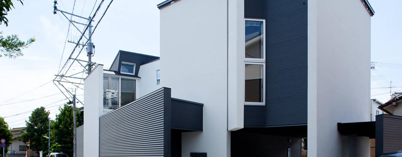 江津の住処: 岩瀬隆広建築設計が手掛けた家です。