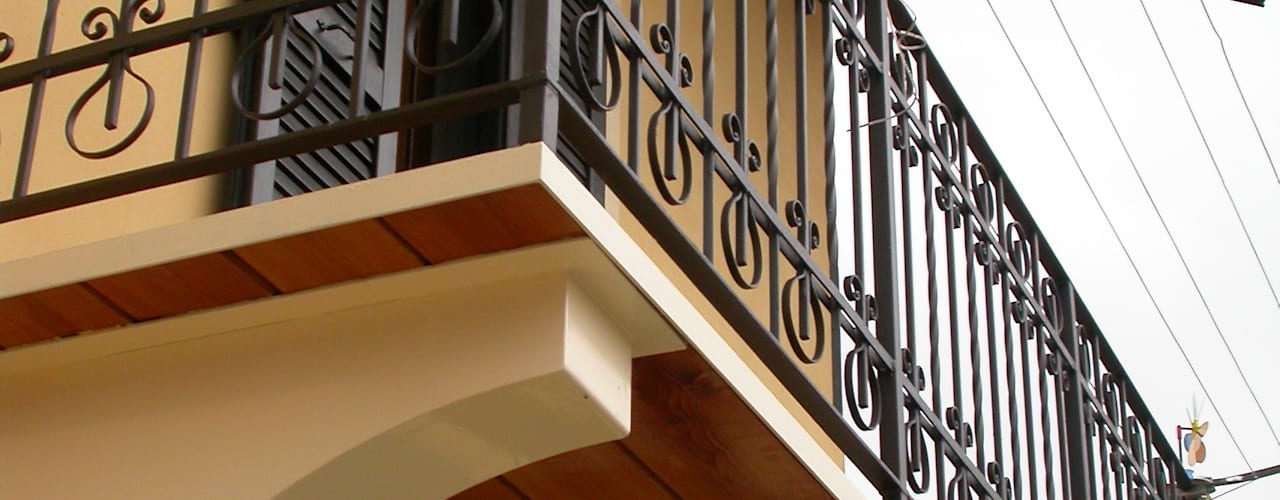 Conservare e inventare Casa Zuhause Claudio Molinari Balcone, Veranda & Terrazza in stile eclettico