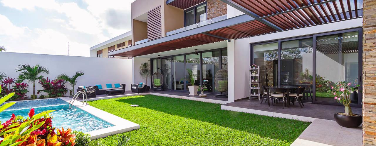 Modern balcony, veranda & terrace by Enrique Cabrera Arquitecto Modern