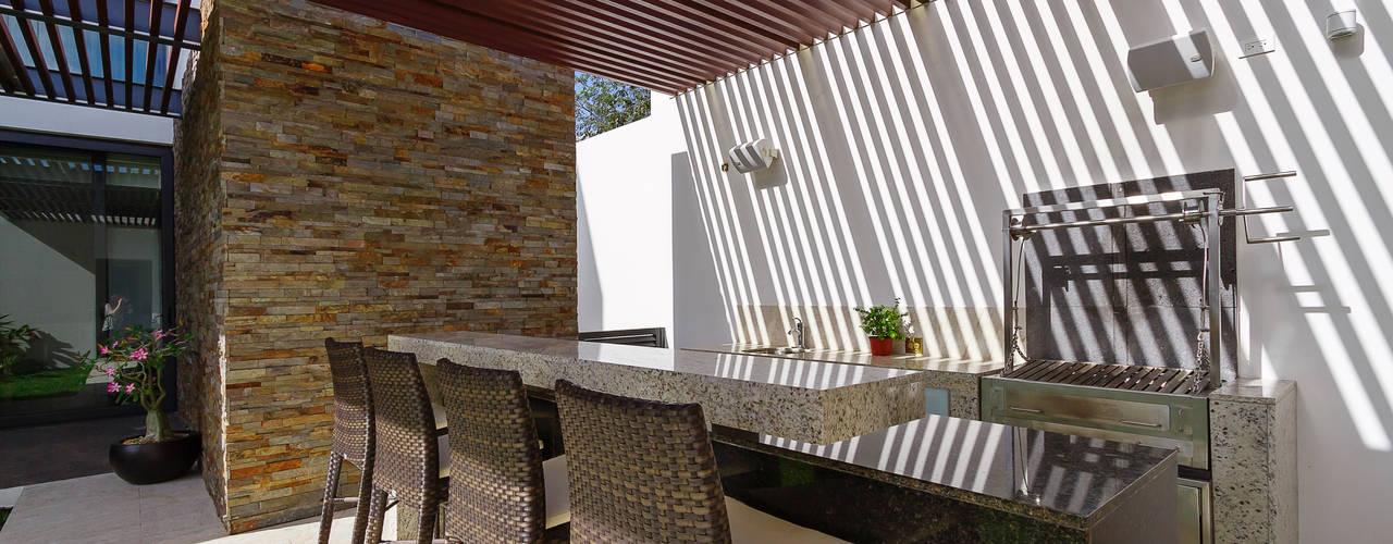 Modern Terrace by Enrique Cabrera Arquitecto Modern