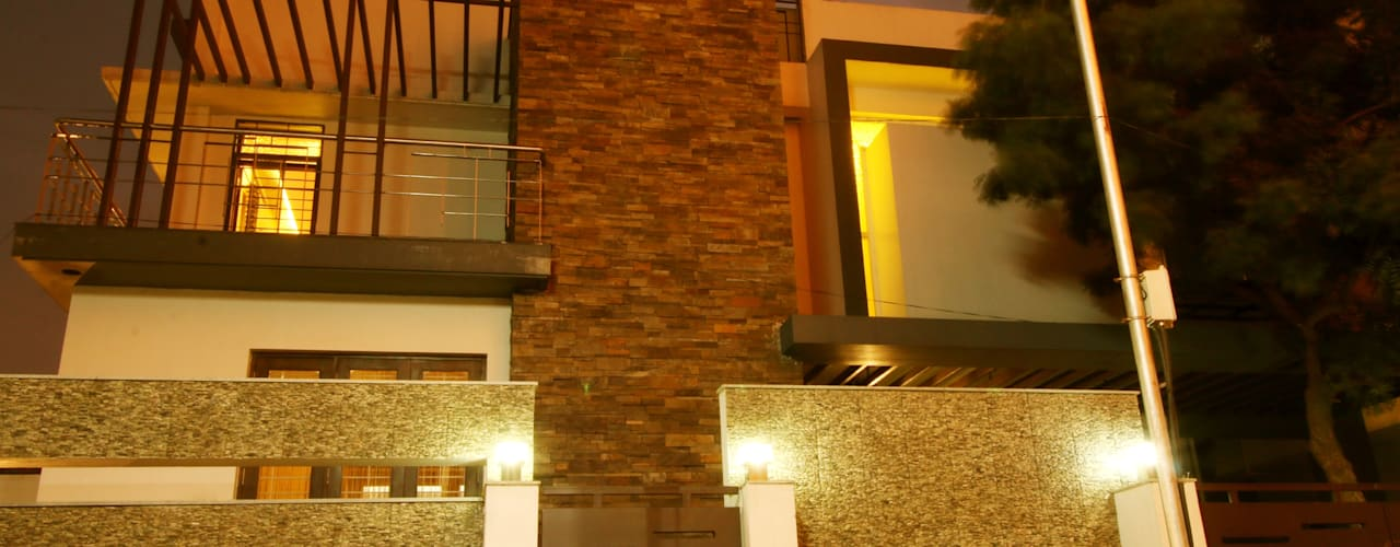 URBAN NEST:  Houses by Aadyam Design Studio