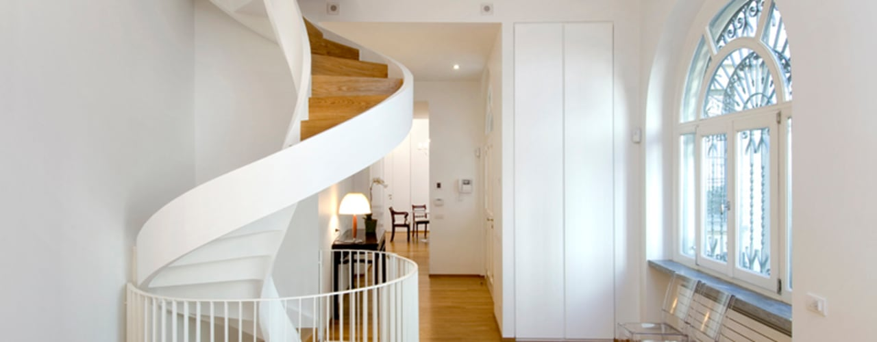 Modern Corridor, Hallway and Staircase by Padi Costruzioni Modern