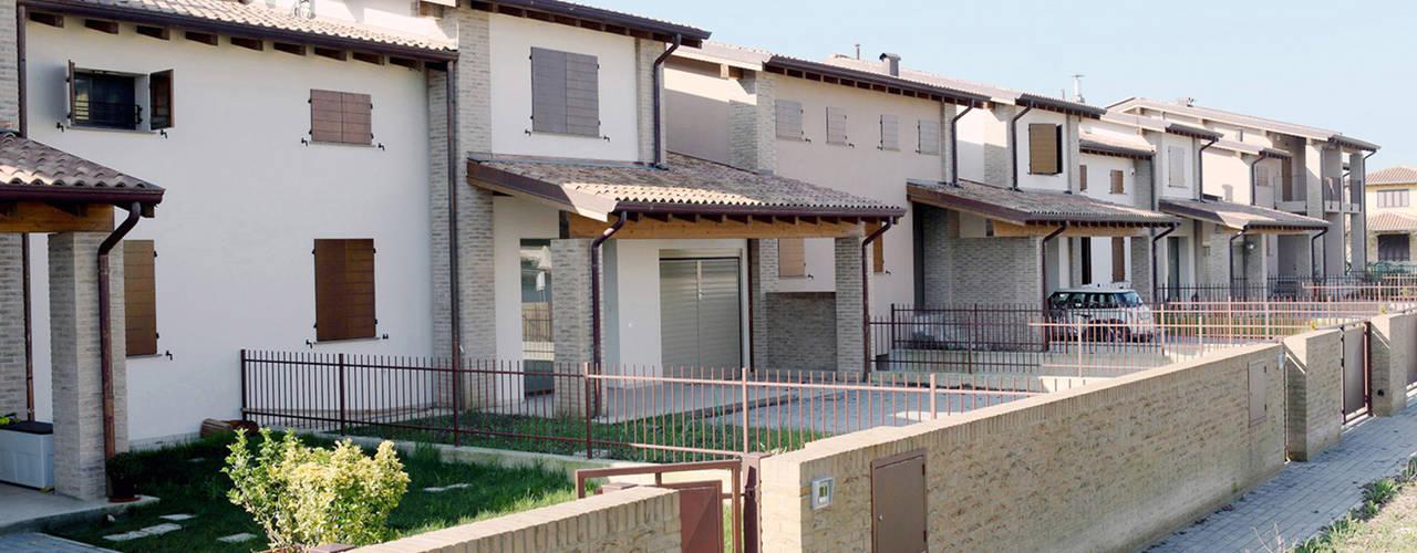 Casas de estilo rural por Doser S.p.A.