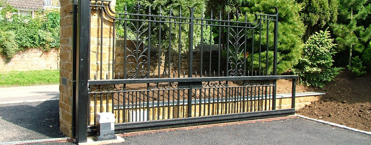 Steel Automatic Gates de AGD Systems Ecléctico