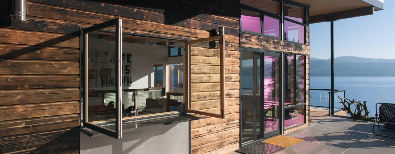Patios & Decks by Uptic Studios