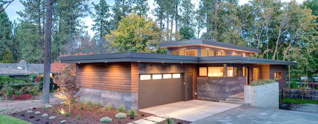 Denver Street Lot 7 Rumah Modern Oleh Uptic Studios Modern