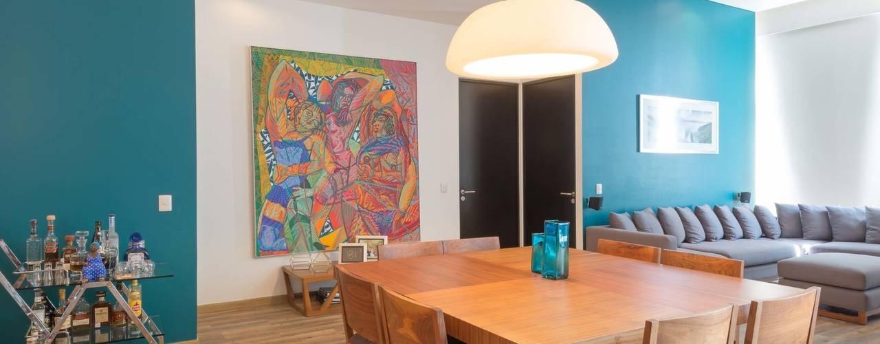 Salle à manger moderne par LEMONBE Moderne