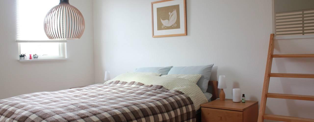 iie design モデルハウス: 一級建築士事務所 iie designが手掛けた寝室です。