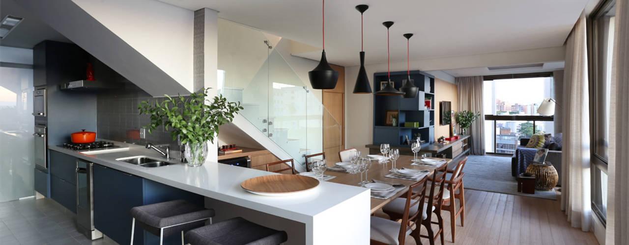 Dining room by MANDRIL ARQUITETURA E INTERIORES