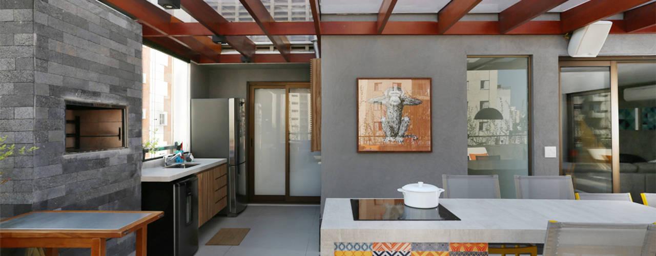Cobertura - Pinheiros Varandas, alpendres e terraços modernos por MANDRIL ARQUITETURA E INTERIORES Moderno