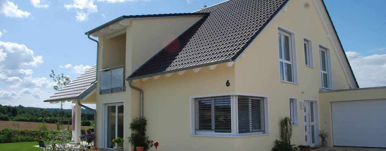 Klasyczne domy od WUNSCHhaus - die innovative Wohnbau GmbH Klasyczny