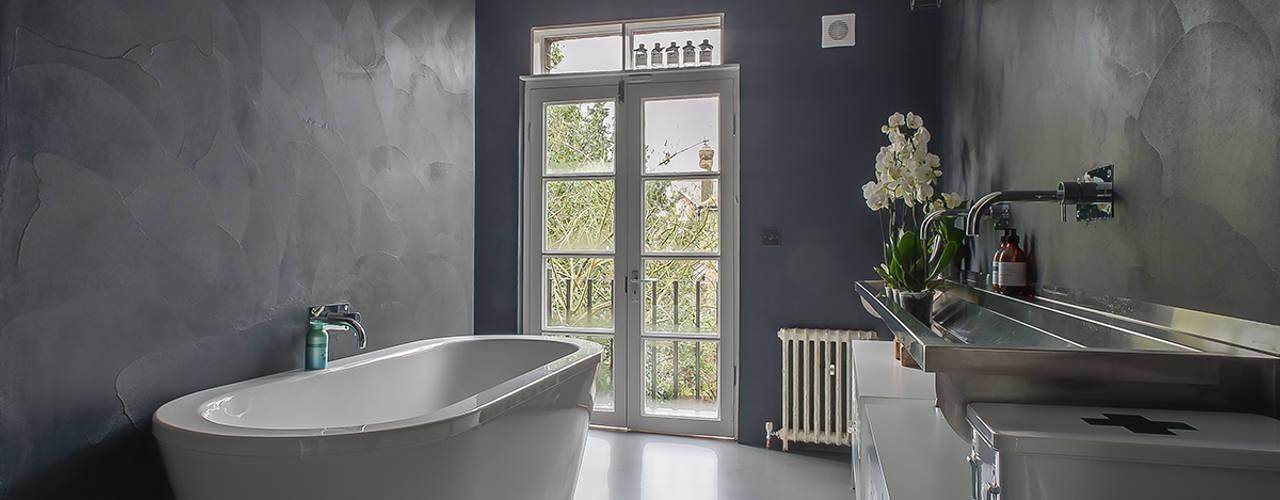 Full House Renovation with Crittall Extension, London من HollandGreen حداثي