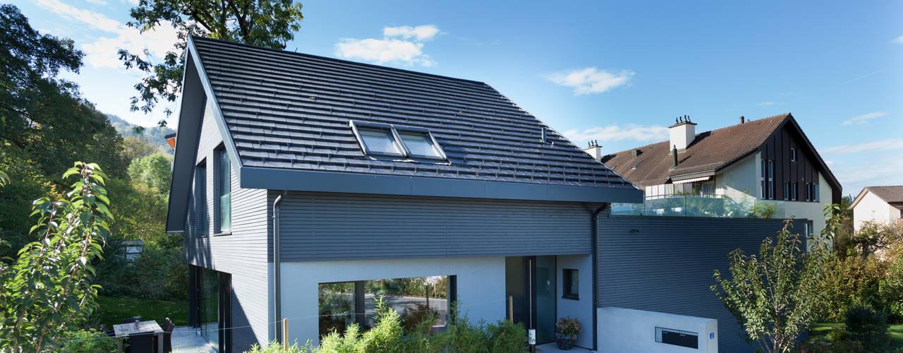 บ้านและที่อยู่อาศัย by von Mann Architektur GmbH