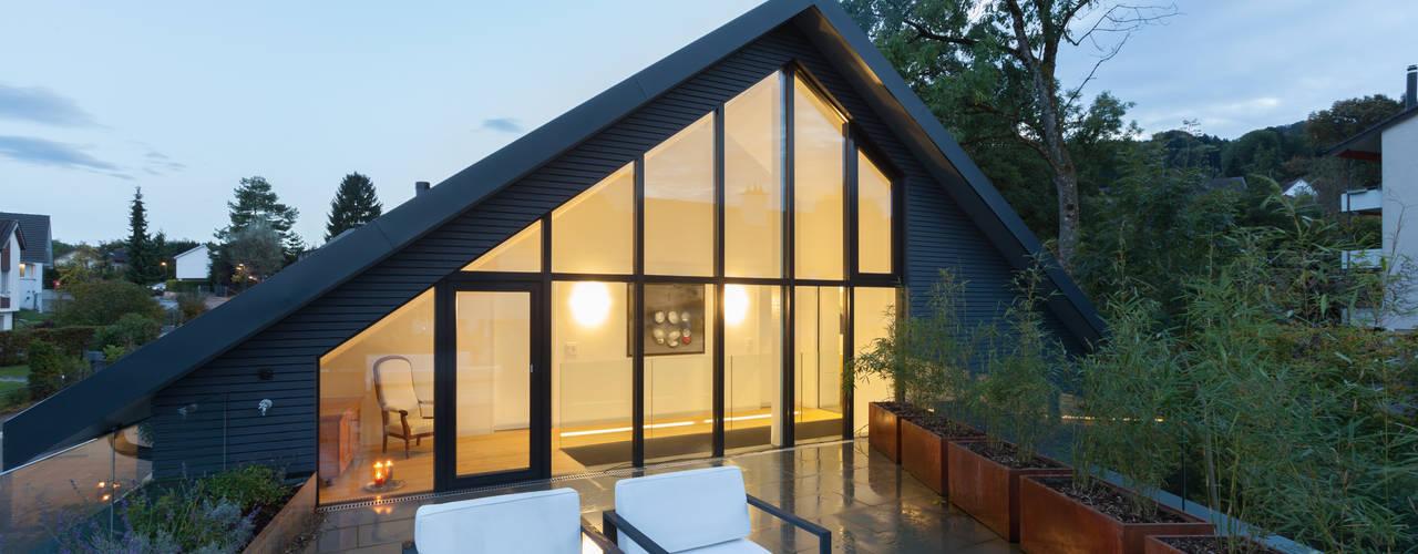 Balkon, Beranda & Teras Modern Oleh von Mann Architektur GmbH Modern