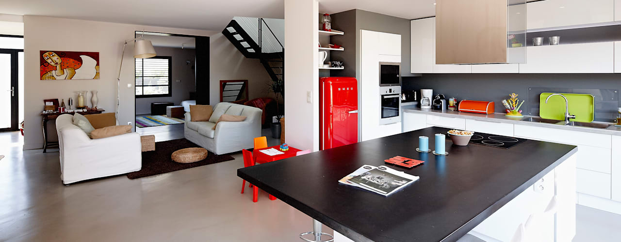 Dapur by Cendrine Deville Jacquot, Architecte DPLG, A²B2D