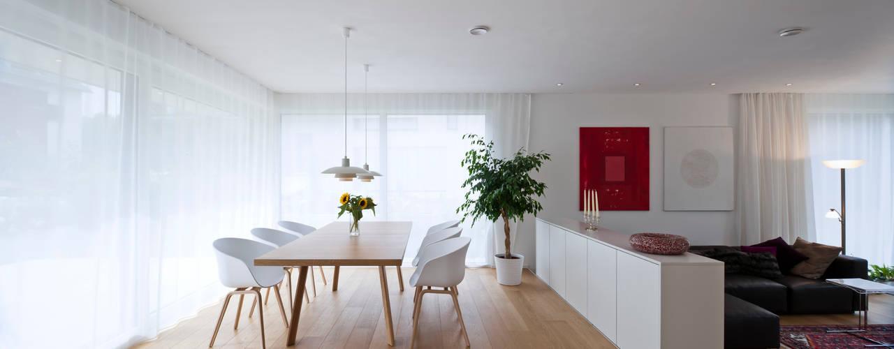 Projekty,  Jadalnia zaprojektowane przez KitzlingerHaus GmbH & Co. KG, Skandynawski