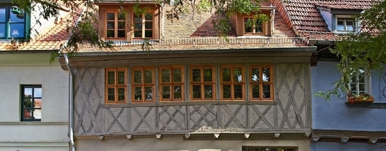 Casas de estilo  por qbatur Planungsgenossenschaft eG , Clásico