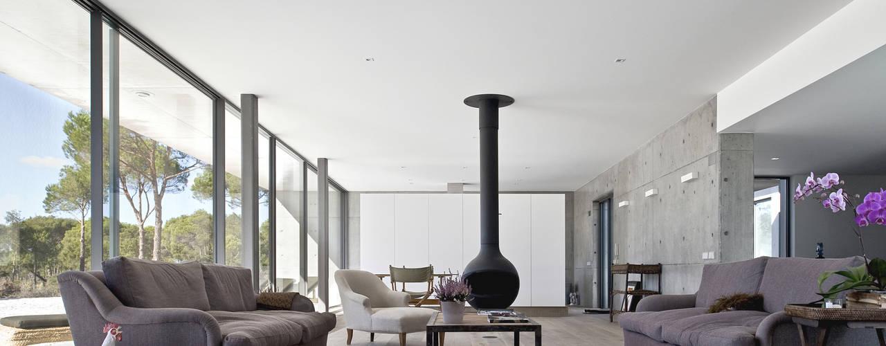Salas de estar modernas por RRJ Arquitectos Moderno