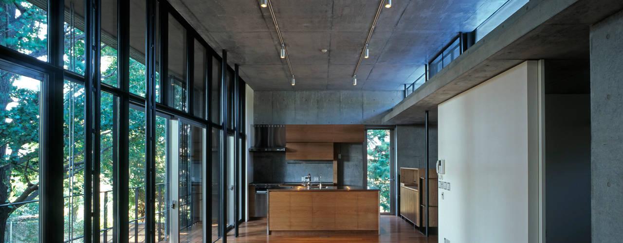 Modern Living Room by HAN環境・建築設計事務所 Modern