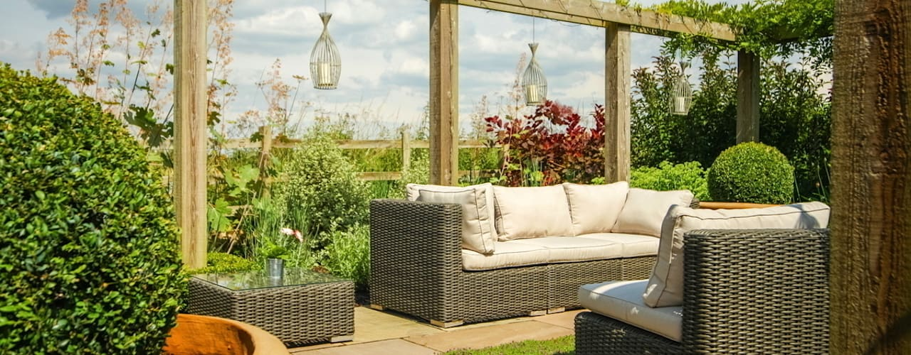 country  by Matt Nichol Garden Design Ltd., Country