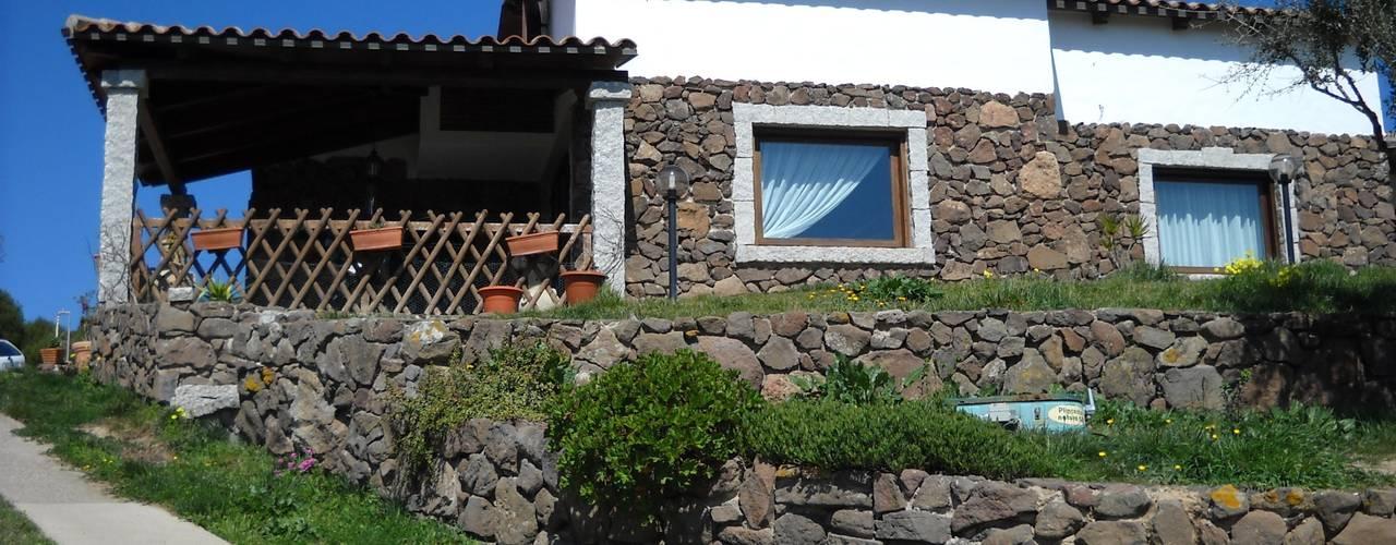 Casas de estilo  por SOGEDI costruzioni