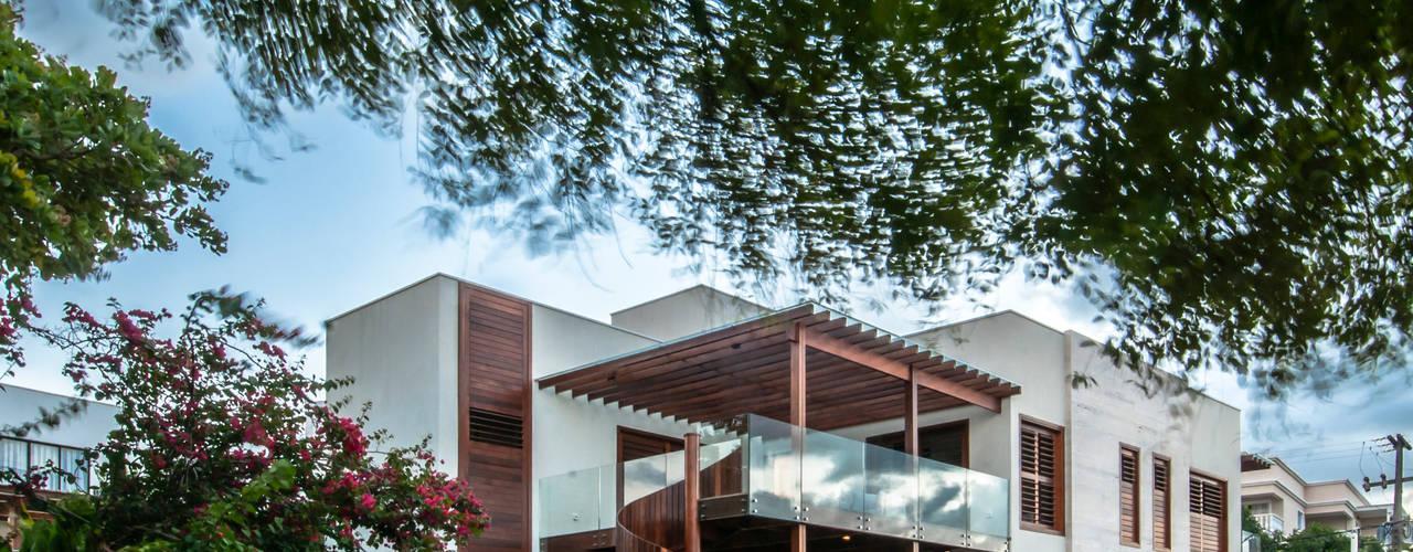 บ้านและที่อยู่อาศัย by Renato Teles Arquitetura
