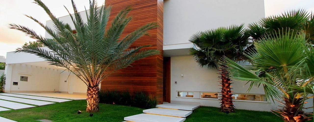 Casas estilo moderno: ideas, arquitectura e imágenes de Studio Gilson Barbosa Moderno