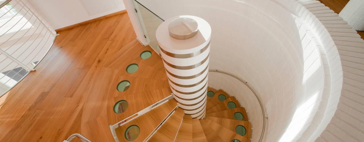 ANTICO TRENTINO S.R.L. Corridor, hallway & stairsStairs