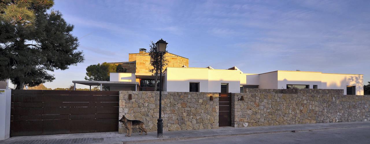 Casas mediterrâneas por Chiarri arquitectura Mediterrâneo