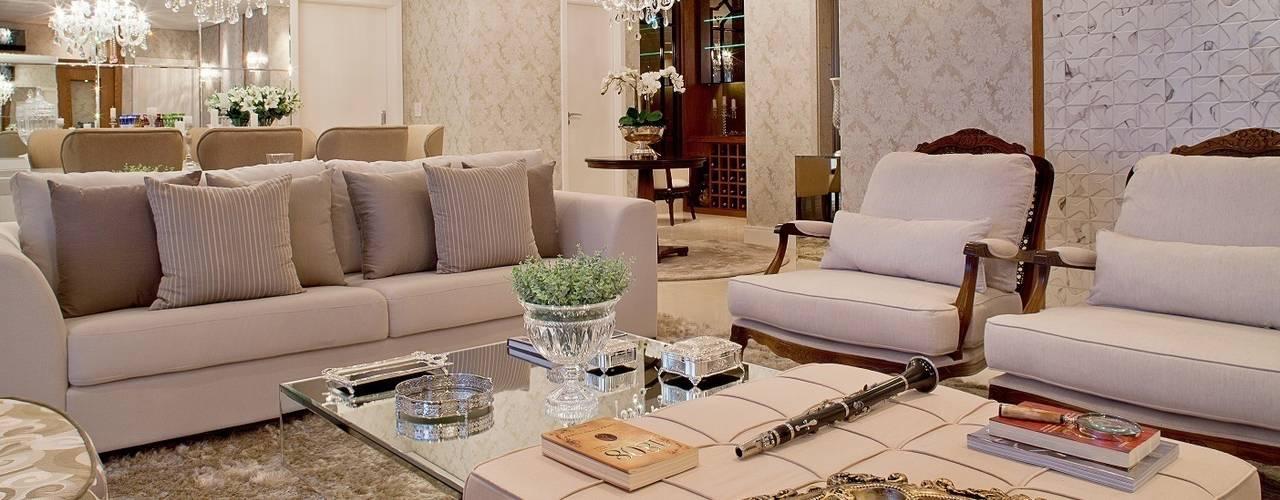 by Mariane e Marilda Baptista - Arquitetura & Interiores Classic