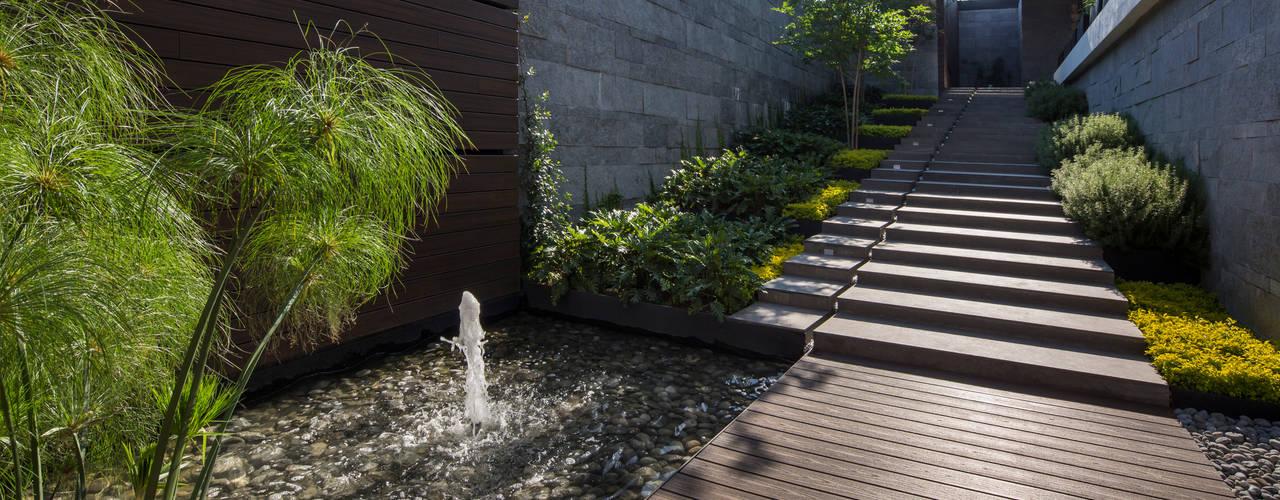 庭院 by GLR Arquitectos