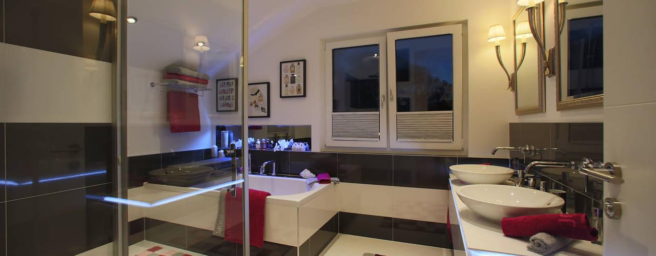 modern Bathroom by ELK Fertighaus GmbH