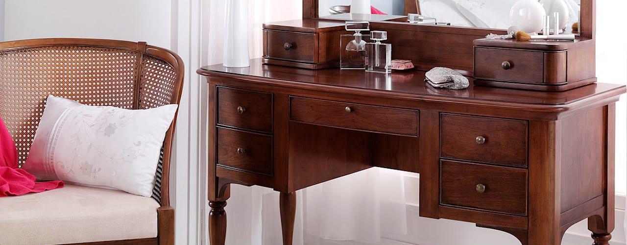 de estilo  por CROWN FRENCH FURNITURE