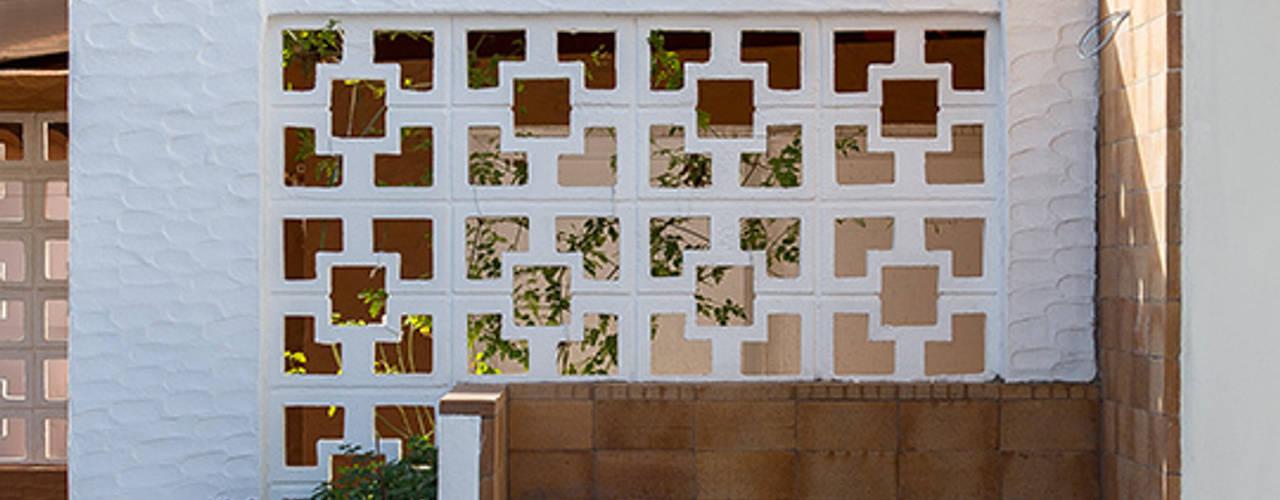 Varandas, marquises e terraços mediterrânicos por osb arquitectos Mediterrânico