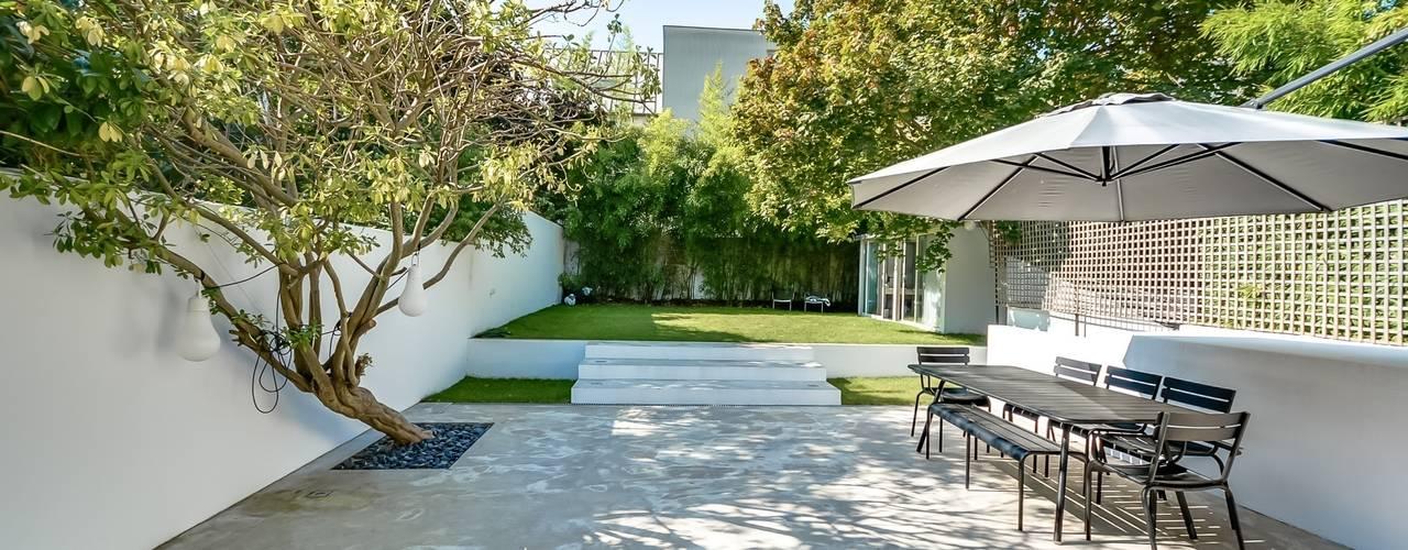 Taman Modern Oleh Meero Modern