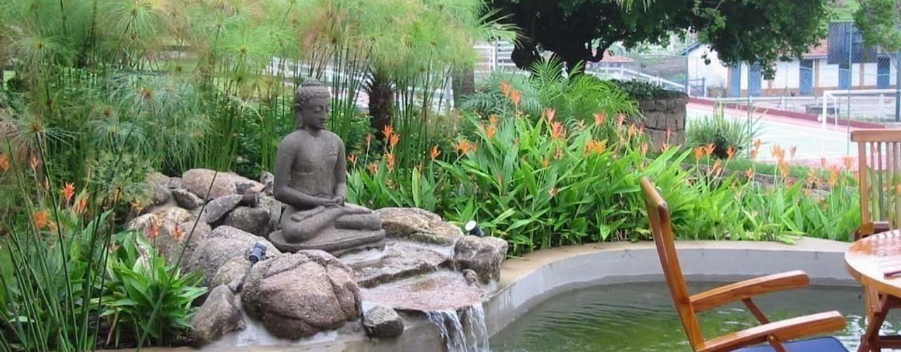 Jardines asiáticos de Eduardo Luppi Paisagismo Ltda. Asiático