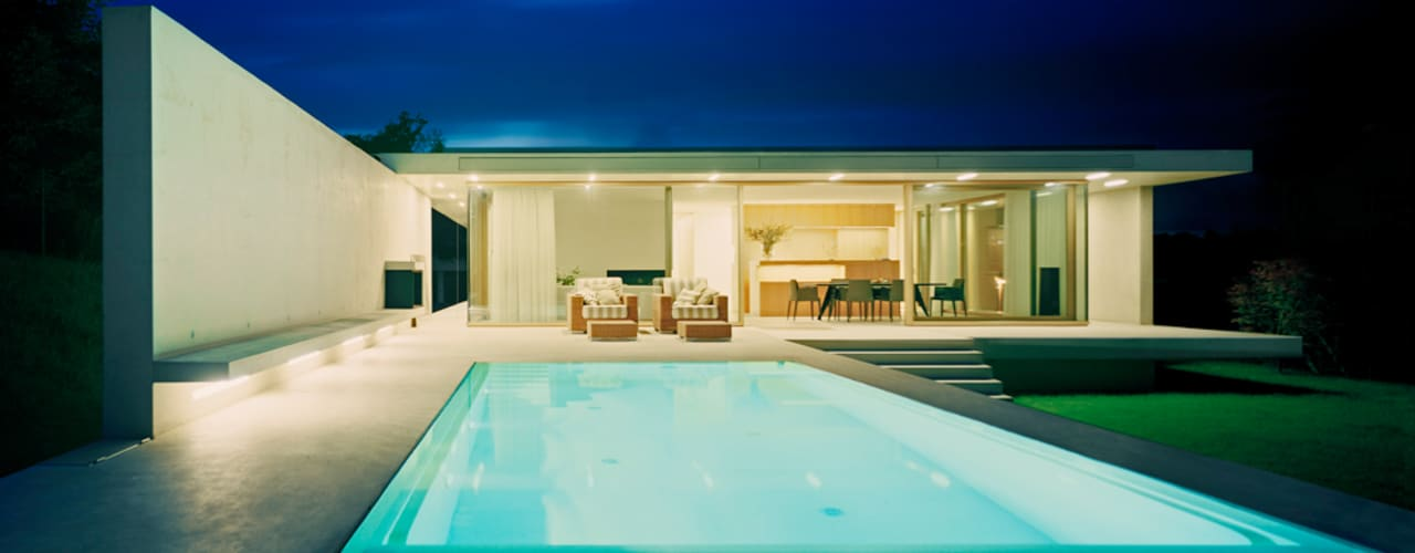 modern Pool by Rossetti+Wyss Architekten
