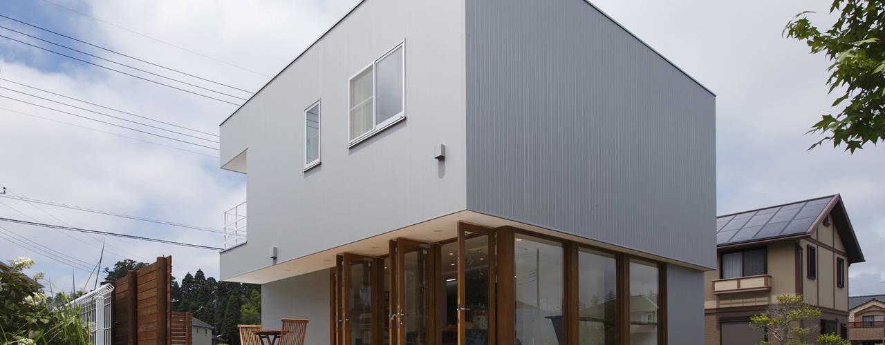 Rumah Modern Oleh アトリエ24一級建築士事務所 Modern