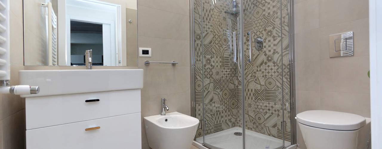 Moderne badkamers van ROBERTA DANISI ARCHITETTO Modern