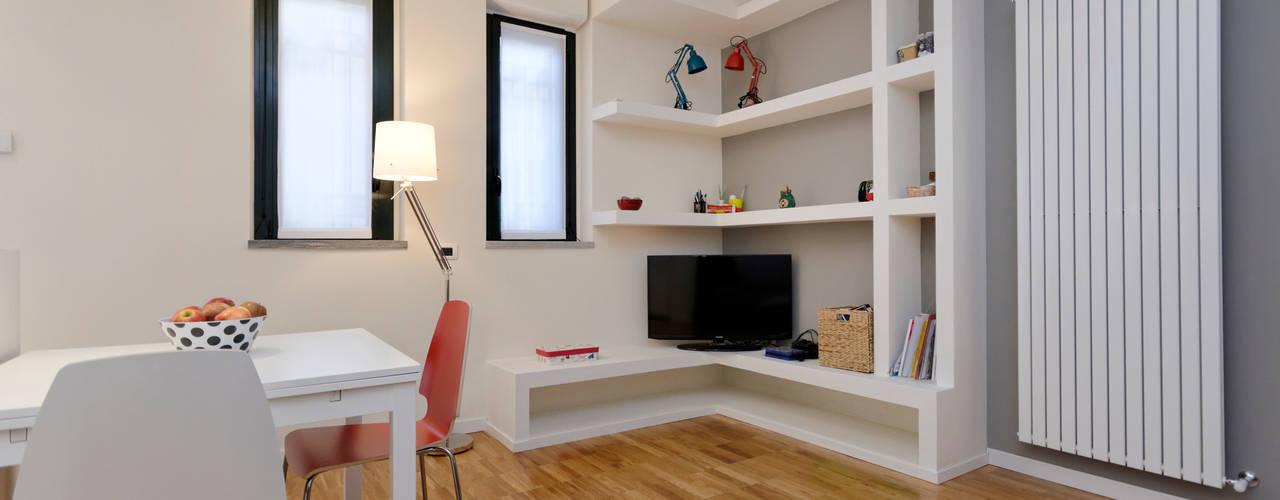 Salas / recibidores de estilo moderno por ROBERTA DANISI ARCHITETTO