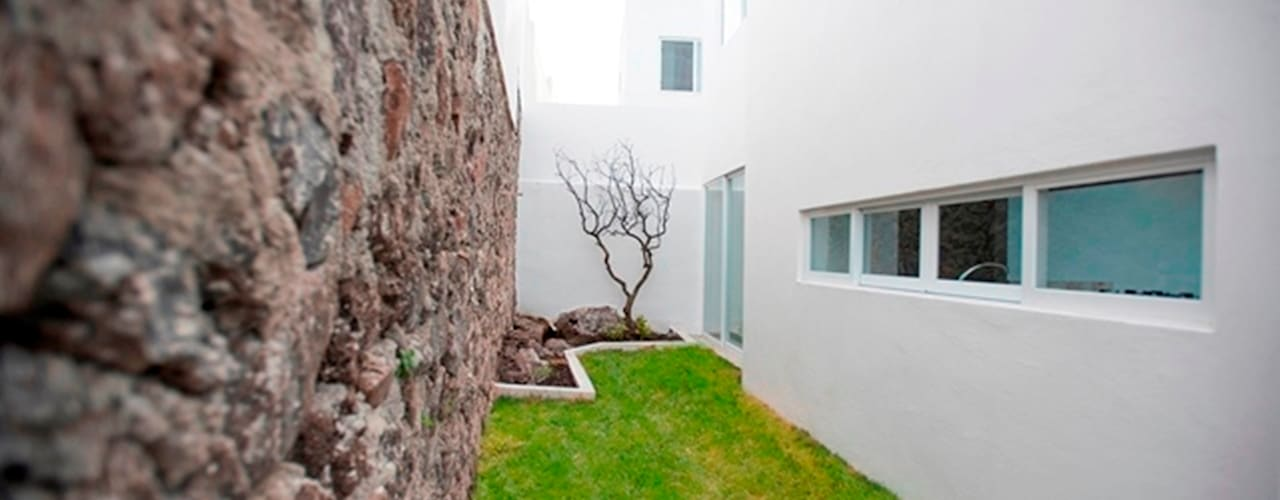 Jardines de estilo minimalista de JF ARQUITECTOS Minimalista
