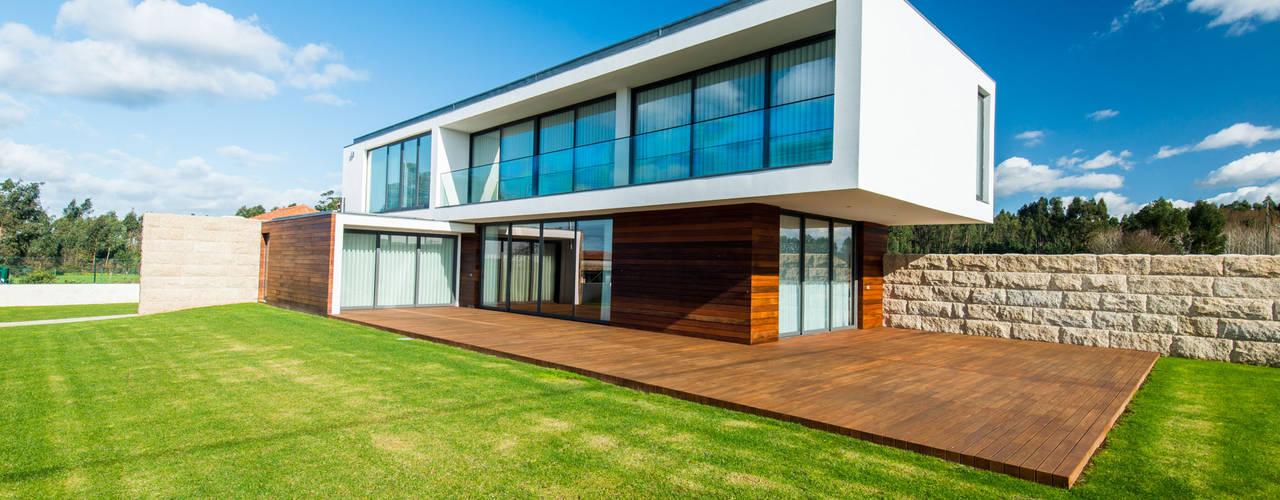 Casa Mar - Avanca Casas modernas por a3mais Moderno